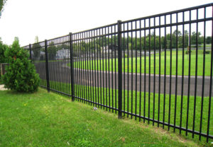 Majestic 3-Rail Montage commercial fence